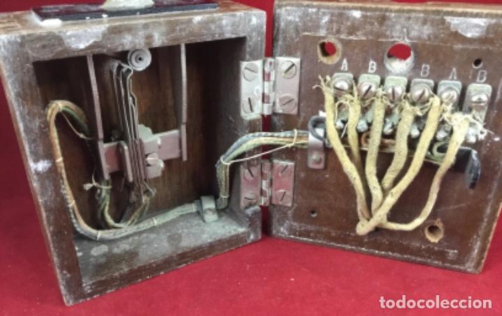 Teléfonos: Antigua llave conmutadora, de madera, para uso telefónico, de Standard Eléctrica, para la CTNE - Foto 6 - 183662572