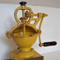 Antigüedades: MOLINILLO DE CAFÉ MARCA ELMA, MODELO 1411, TAMAÑO 0. ESPAÑA. CA. 1910/30. Lote 183669926