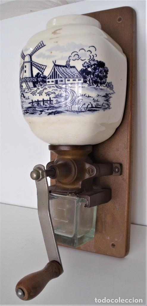 MOLINILLO DE CAFÉ MURAL MARCA TRÖSSER. MODELO 1005. ALEMANIA. CA. 1955/1965 (Antigüedades - Técnicas - Molinillos de Café Antiguos)