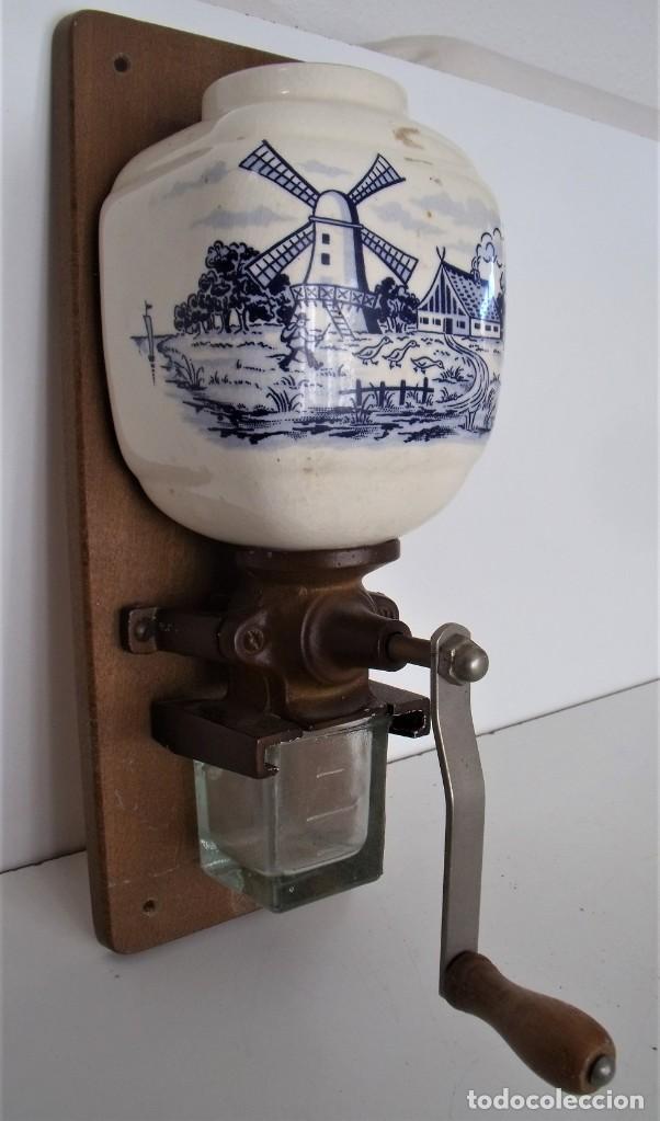 Antigüedades: MOLINILLO DE CAFÉ MURAL MARCA TRÖSSER. MODELO 1005. ALEMANIA. CA. 1955/1965 - Foto 2 - 183681216