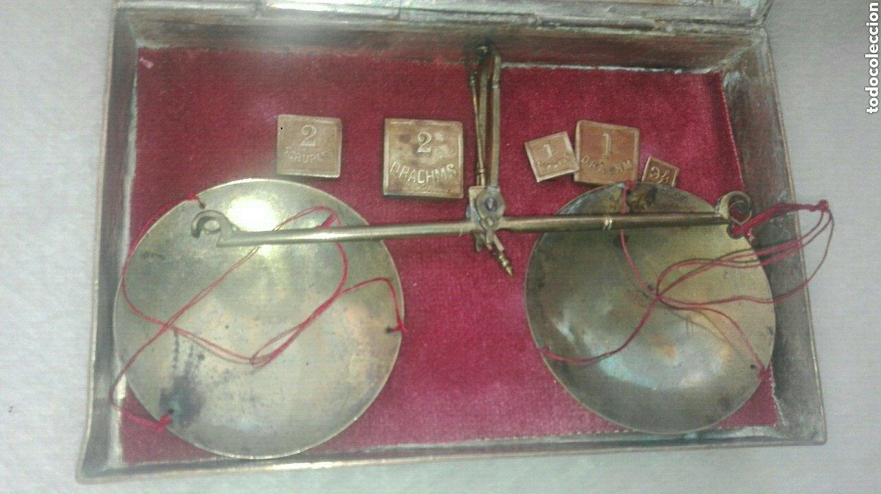 Antigüedades: ANTIGUA BALANZA DE PRECISIÓN DE ORIGEN INGLÉS PARA METALES PRECIOSOS. - Foto 2 - 183705906