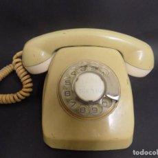Teléfonos: TELEFONO MUY ANTIGO EL QUE VES NO SE SI FUNCIONA PERO SI PARA DECORACION EL QUE VES. Lote 183709286