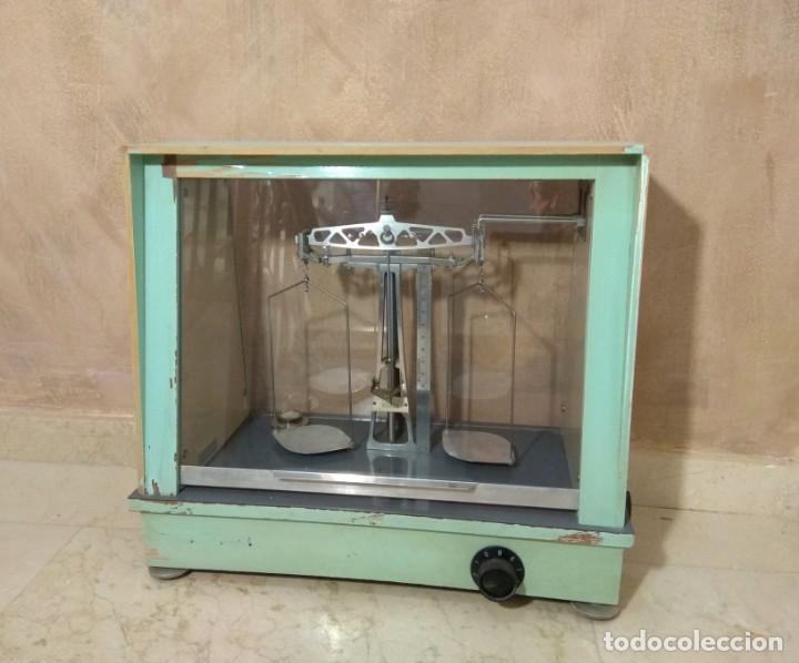 Antigüedades: Antigua balanza de precisión - Foto 3 - 183722195