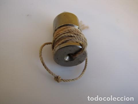 Antigüedades: Pequeña plomada o péndulo de acero - Foto 2 - 183759410