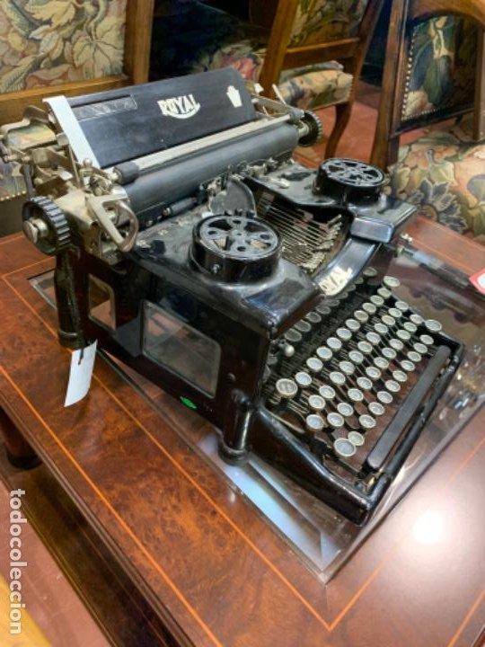 Antigüedades: Máquina escribir antigua Royal - Foto 3 - 183779817