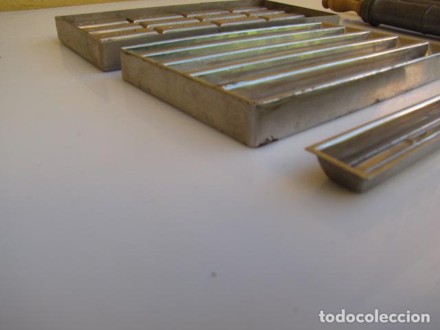 Antigüedades: Instrumentos repostería chocolate. Loyola Guipuzcua Oñate. Moldes y mangas - Foto 8 - 183797618