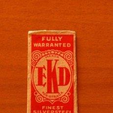 Antigüedades: FUNDA-SOBRE DE HOJA DE AFEITAR - EKD FULLY WARRANTED - SIN CUCHILLA - AÑO 1944. Lote 183825485