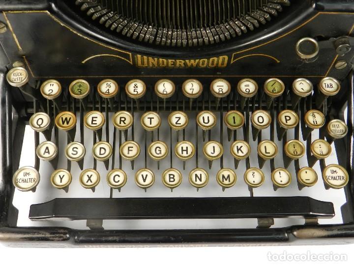 Antigüedades: MAQUINA DE ESCRIBIR UNDERWOOD Nº5 AÑO 1916 TYPEWRITER SCRHEIBMASCHINE - Foto 4 - 183834658