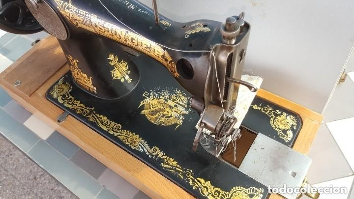 Antigüedades: Máquina de coser Singer antigua 1908, cose bien - Foto 3 - 225882570