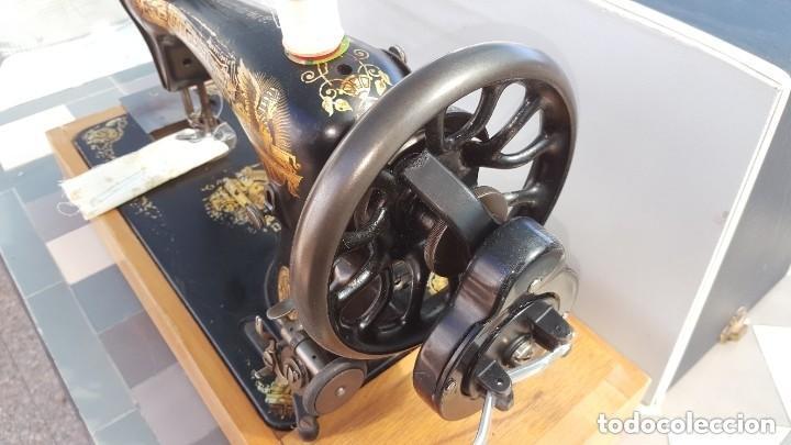 Antigüedades: Máquina de coser Singer antigua 1908, cose bien - Foto 7 - 225882570