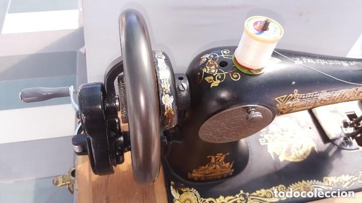 Antigüedades: Máquina de coser Singer antigua 1908, cose bien - Foto 9 - 225882570