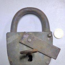 Antigüedades: CANDADO DE HIERRO ANTIGUO. Lote 183921911