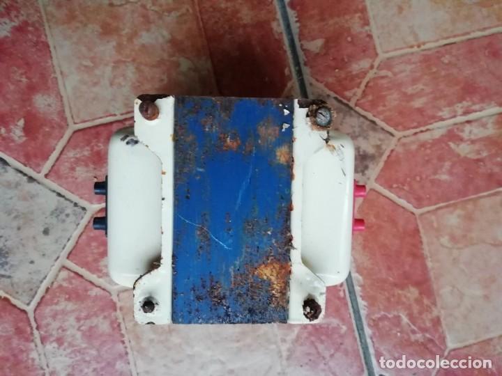Antigüedades: Antiguo transformador electricidad hogar monofasico 125/200 Voltios - Foto 4 - 183939511