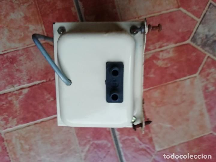 Antigüedades: Antiguo transformador electricidad hogar monofasico 125/200 Voltios - Foto 5 - 183939511