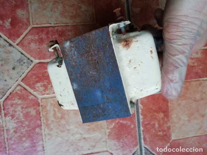 Antigüedades: Antiguo transformador electricidad hogar monofasico 125/200 Voltios - Foto 6 - 183939511