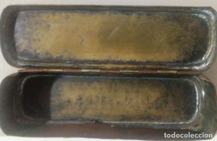 Antigüedades: Caja metalica de cobre y laton para jeringas de origen holandes - Foto 3 - 184052293