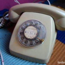 Teléfonos: TELÉFONO DE RUEDA ANTIGUO COLOR GRIS - VINTAGE - MODELO HERALDO - CTNE. Lote 184104956