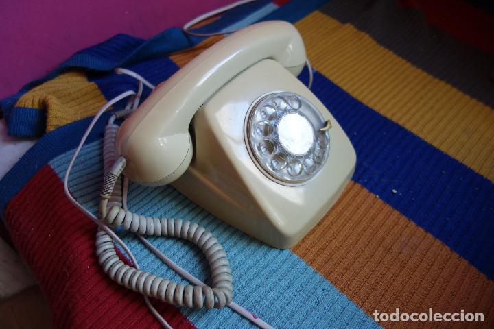 Teléfonos: TELÉFONO DE RUEDA ANTIGUO COLOR GRIS - VINTAGE - MODELO HERALDO - CTNE - Foto 2 - 184104956
