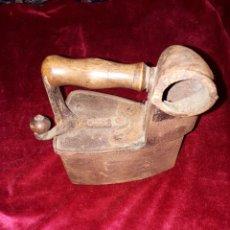 Antigüedades: PLANCHA DE CARBONO DE HIERRO FUNDIDO. Lote 184193462