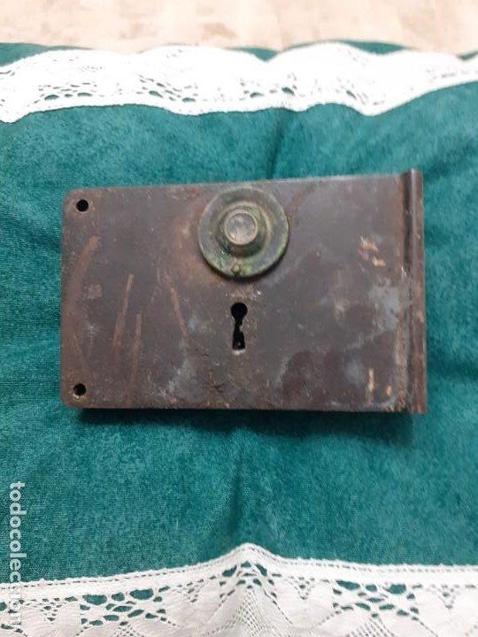 ANTIGUA Y GRANDE CERRADURA DE PUERTA SIN LLAVE (Antigüedades - Técnicas - Cerrajería y Forja - Cerraduras Antiguas)