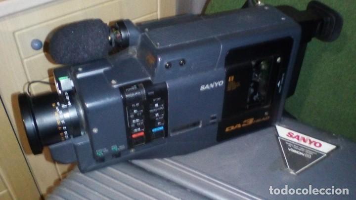 CAMARA DE VIDEO SUPER 8 MM CON MALETA CARGADOR, ADAPTADOR TV Y 2 BATERIAS (Antigüedades - Técnicas - Aparatos de Cine Antiguo - Cámaras de Super 8 mm Antiguas)