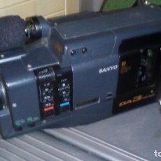 Antigüedades: CAMARA DE VIDEO SUPER 8 MM CON MALETA CARGADOR, ADAPTADOR TV Y 2 BATERIAS. Lote 184409942