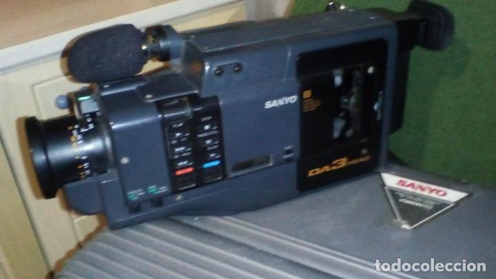 Antigüedades: CAMARA DE VIDEO SUPER 8 mm CON MALETA CARGADOR, ADAPTADOR TV Y 2 BATERIAS - Foto 2 - 184409942