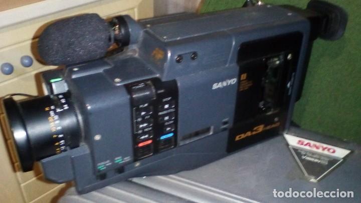 Antigüedades: CAMARA DE VIDEO SUPER 8 mm CON MALETA CARGADOR, ADAPTADOR TV Y 2 BATERIAS - Foto 4 - 184409942