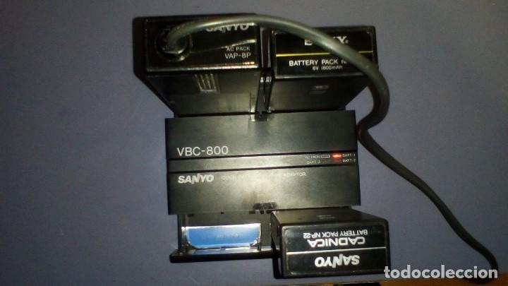 Antigüedades: CAMARA DE VIDEO SUPER 8 mm CON MALETA CARGADOR, ADAPTADOR TV Y 2 BATERIAS - Foto 6 - 184409942