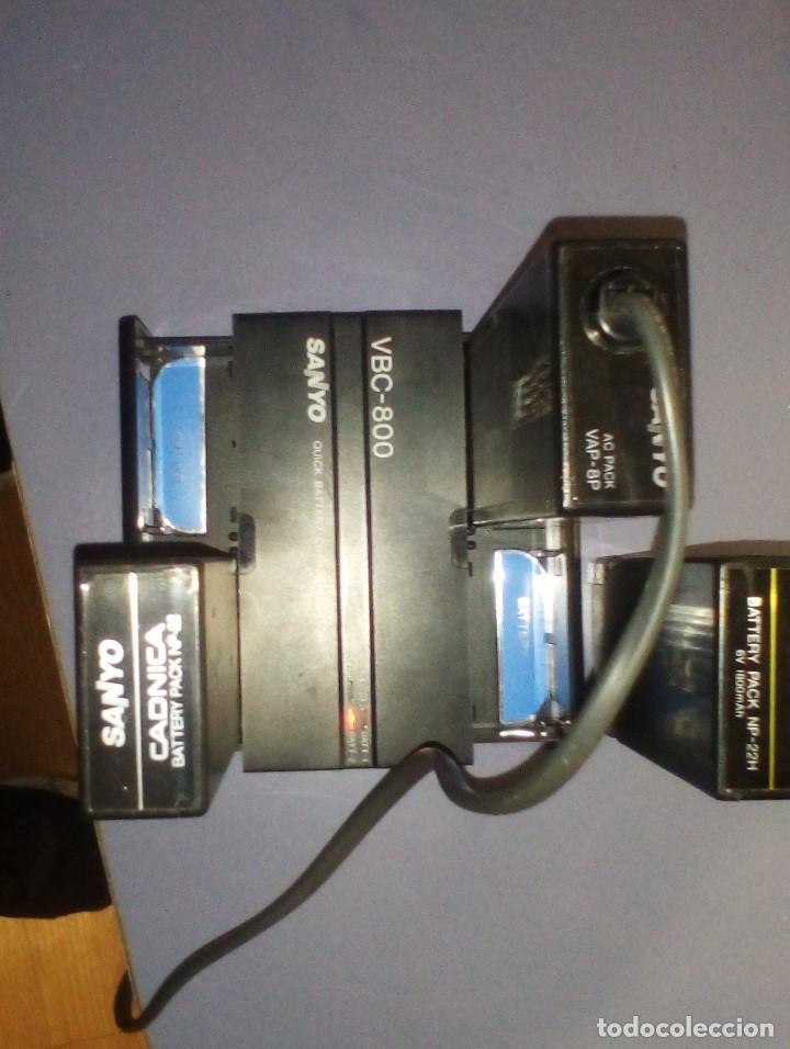 Antigüedades: CAMARA DE VIDEO SUPER 8 mm CON MALETA CARGADOR, ADAPTADOR TV Y 2 BATERIAS - Foto 7 - 184409942