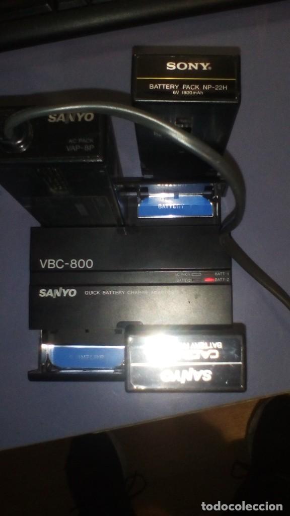 Antigüedades: CAMARA DE VIDEO SUPER 8 mm CON MALETA CARGADOR, ADAPTADOR TV Y 2 BATERIAS - Foto 10 - 184409942