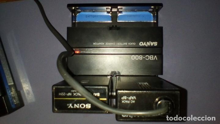 Antigüedades: CAMARA DE VIDEO SUPER 8 mm CON MALETA CARGADOR, ADAPTADOR TV Y 2 BATERIAS - Foto 12 - 184409942