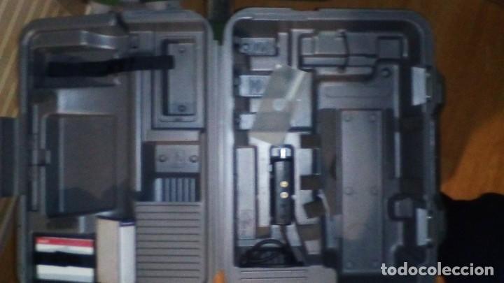 Antigüedades: CAMARA DE VIDEO SUPER 8 mm CON MALETA CARGADOR, ADAPTADOR TV Y 2 BATERIAS - Foto 15 - 184409942