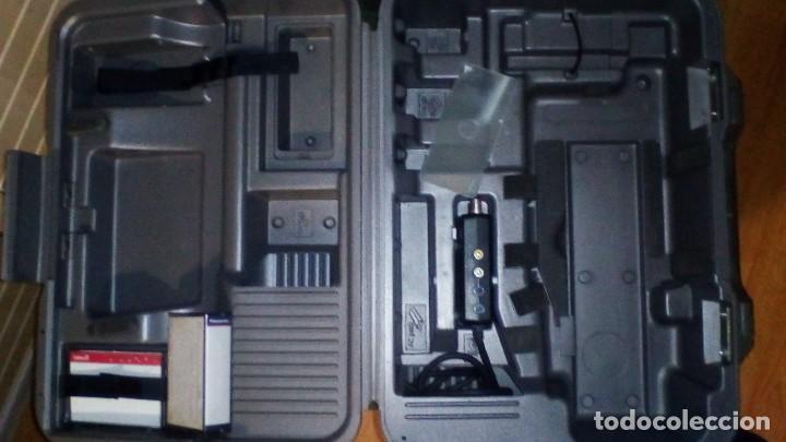 Antigüedades: CAMARA DE VIDEO SUPER 8 mm CON MALETA CARGADOR, ADAPTADOR TV Y 2 BATERIAS - Foto 16 - 184409942