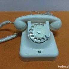 Teléfonos: TELEFONO BAQUELITA BLANCA DE TE WE AÑOS 60 ALEMAN NUEVO A EXTRENAR. Lote 184441340