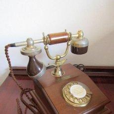 Teléfonos: TELÉFONO ESTILO ANTIGUO ALEMÁN MODELO LYON AÑOS 1960/70 USO OFICINAS DE CORREOS ALEMANIA Y FUNCIONA. Lote 184564127