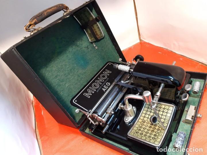 Antigüedades: Antigua máquina de escribir. Typewriter. Mignon modelo punzón retráctil. - Foto 5 - 184602083