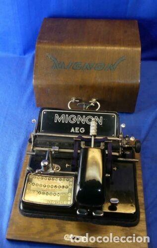 MÁQUINA DE ESCRIBIR MIGNON MODELO 4 CON SU CAJA Y LLAVE PARA TRASPORTARLA.FUNCIONAL (Antigüedades - Técnicas - Máquinas de Escribir Antiguas - Mignon)