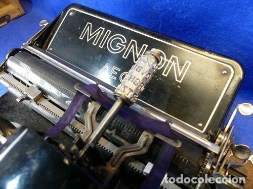 Antigüedades: MÁQUINA DE ESCRIBIR MIGNON MODELO 4 CON SU CAJA Y LLAVE PARA TRASPORTARLA.FUNCIONAL - Foto 7 - 184654731