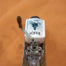Antigüedades: MOLINILLO DE CAFÉ KOFFIE. Lote 184777185