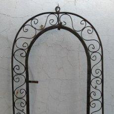 Antigüedades: CLASICO MARCO HIERRO EN FORJA IDEAL ESPEJO, CUADRO, CASA RURAL, RUSTICA, DECORACION. Lote 184900835