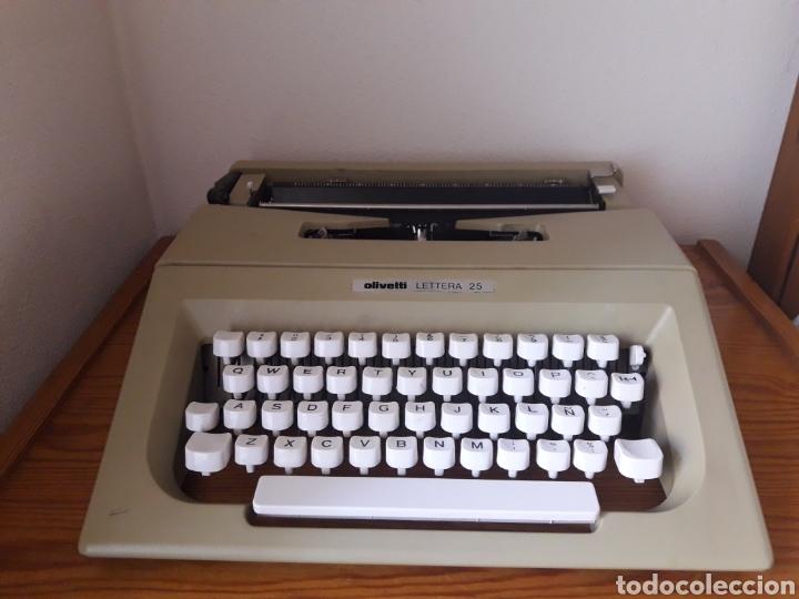 MÁQUINA DE ESCRIBIR AÑOS 80,OLIVETTI,MODELO LETTERA 25, VERDE (Antigüedades - Técnicas - Máquinas de Escribir Antiguas - Otras)