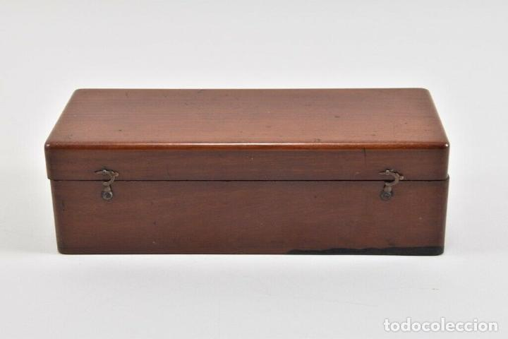 Antigüedades: ANTIGUO Y MAGNIFICO MICROSCOPIO LATON PORTATIL DE CAMPO EN CAJA PERFECTO 20 ,8 CM. CAJA ORIGINAL 350 - Foto 3 - 185744315