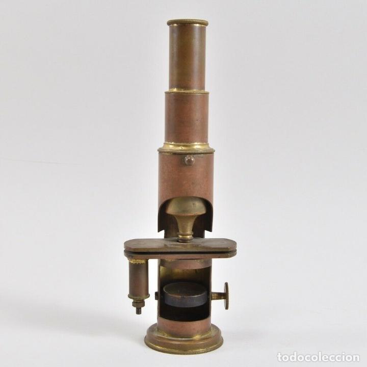 Antigüedades: ANTIGUO Y MAGNIFICO MICROSCOPIO LATON PORTATIL DE CAMPO EN CAJA PERFECTO 20 ,8 CM. CAJA ORIGINAL 350 - Foto 6 - 185744315