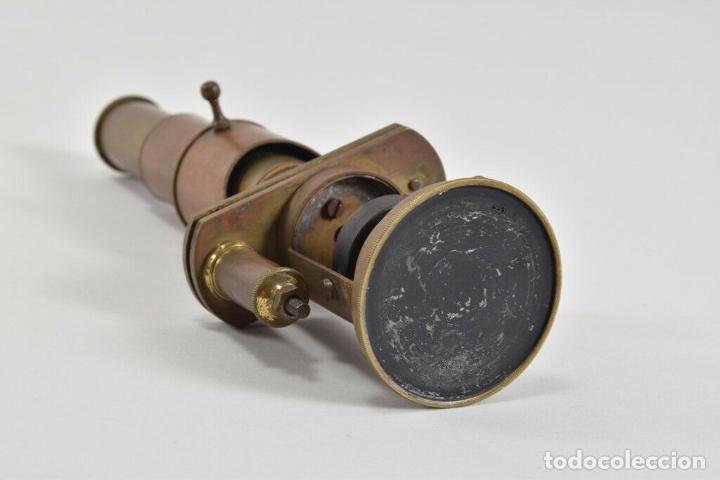 Antigüedades: ANTIGUO Y MAGNIFICO MICROSCOPIO LATON PORTATIL DE CAMPO EN CAJA PERFECTO 20 ,8 CM. CAJA ORIGINAL 350 - Foto 7 - 185744315