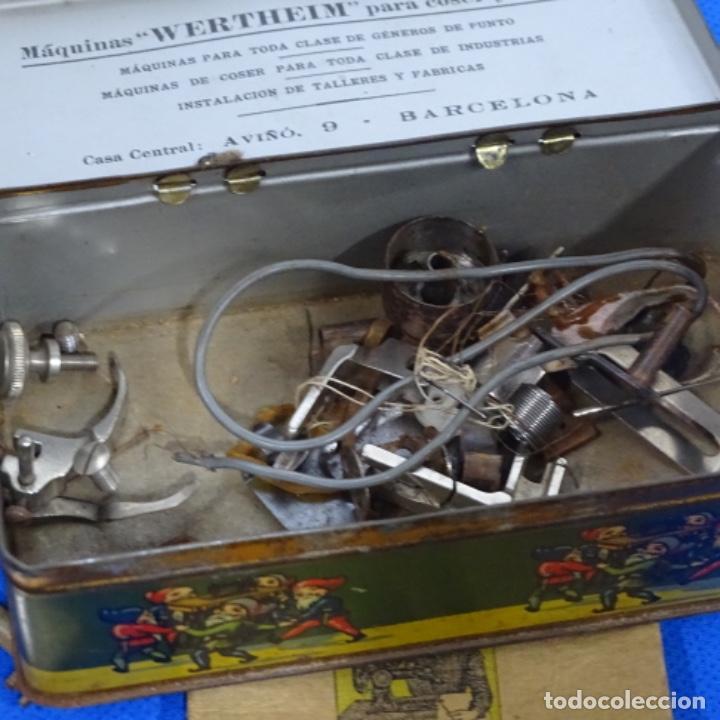 Antigüedades: Caja metálica,accesorios y libro de instrucciones werthein. - Foto 3 - 185755873