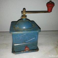Antigüedades: MOLINO PARA MOLER EL GRANO DE CAFE MOLINILLO ELMA DE METAL CHAPA. Lote 186043552