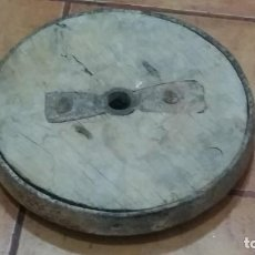 Antigüedades: ANTIGUA RUEDA DE MADERA Y FORJA. Lote 186224035