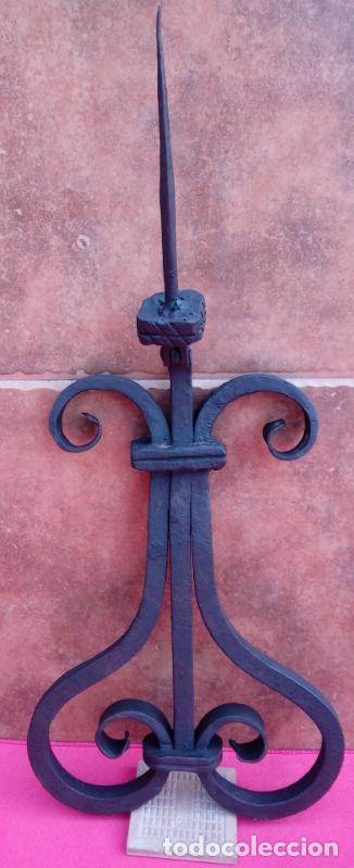 Antigüedades: ALDABA DE FORJA S. XVIII. GRAN TAMAÑO.- 33 CMS LONGUITUD. PROCEDE DE CASA SOLARIEGA DE CÓRDOBA. - Foto 8 - 186260282