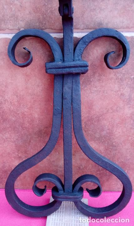 Antigüedades: ALDABA DE FORJA S. XVIII. GRAN TAMAÑO.- 33 CMS LONGUITUD. PROCEDE DE CASA SOLARIEGA DE CÓRDOBA. - Foto 9 - 186260282